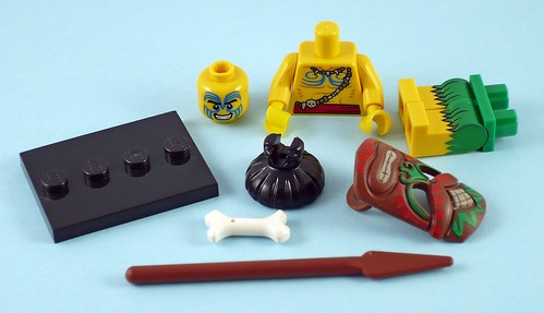 71002 LEGO Minifigures Series 11 05 Island Warrior 01