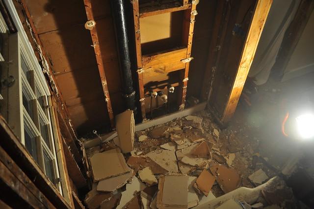 2012-02-04 Bathroom demolition 29