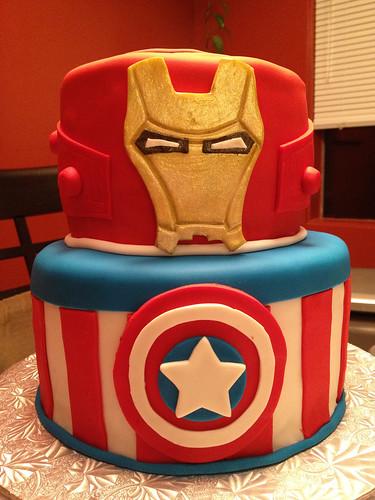 Super Avengers Cake (2/6)