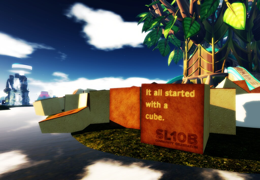 A cube near the Cake Stage at SL10BCC