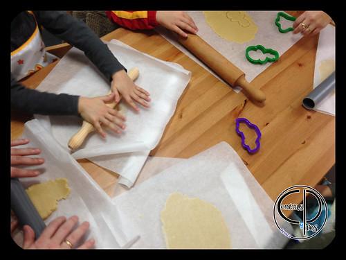 Hacer y decorar galletas con niños 2