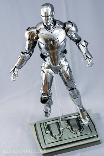 Hot Toys Iron Man 2 - Mk II Armor Unleashed Ver. Review MMS150 Unboxing (72)