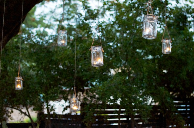 DIY Hanging Jar Lights for the garden www.apairandasparediy.com