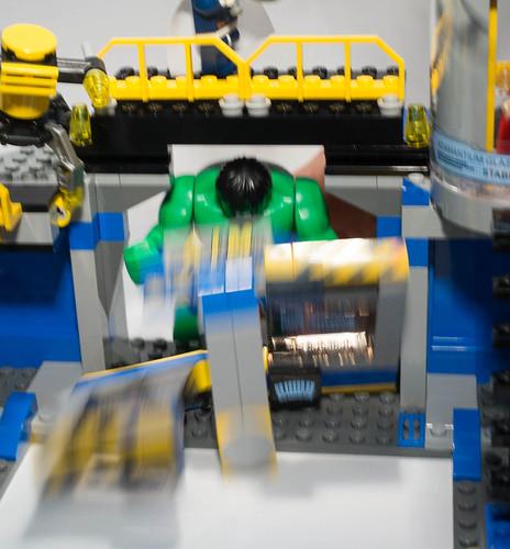 REVIEW LEGO 76018 Marvel Super Heroes - Hulk Smash Lab