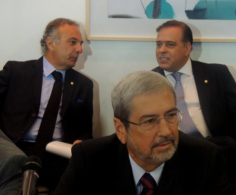 Parlamentares do PSDB que conduzem discussão sobre o Marco Civil da Internet: Ricardo Trípoli (SP), Antônio Imbassahy (BA) e Paulo Abi-Ackel