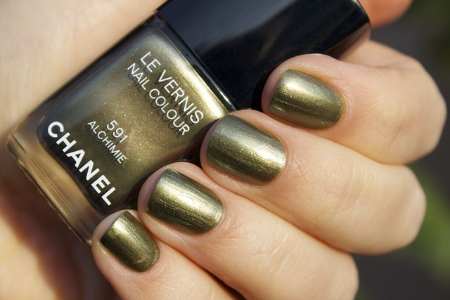 04 Chanel Alchimie swatches