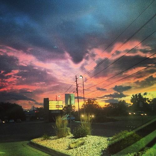 Crazy #sunset  tonight by @MySoDotCom