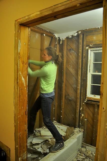 2012-02-04 Bathroom demolition 21
