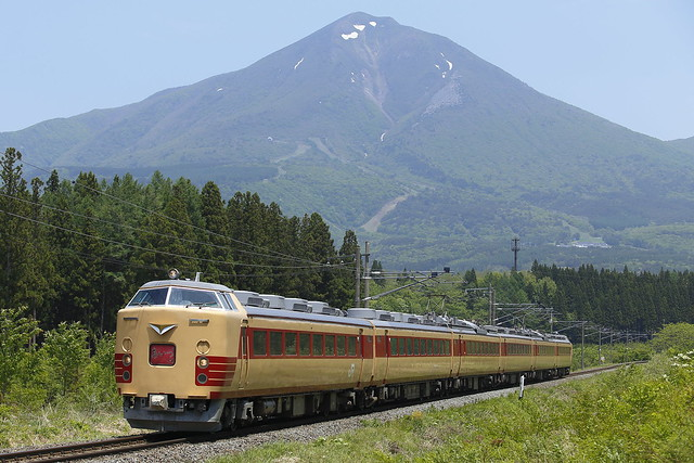 150517 Series 485 with Mt.Bandai