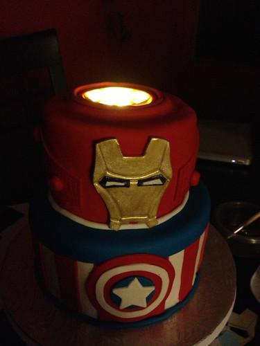 Super Avengers Cake (3/6)