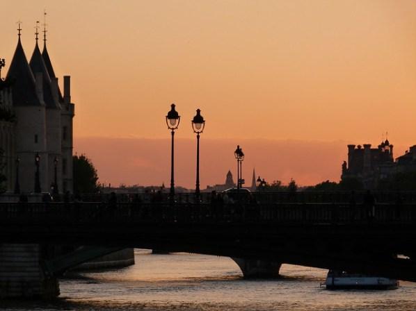 Seine Scene in the Pink