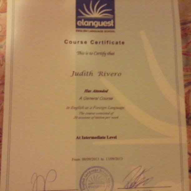 Aquí esta mi diploma pot haber terminado mi curso de General English con @elanguest #dijucatrip
