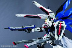 Metal Build Freedom Gundam Prism Coating Ver. Review Tamashii Nation 2012 (91)