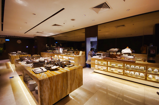 buffet spread at silverkris lounge in changi airport terminal 2