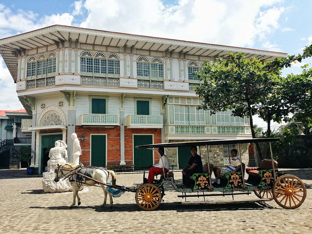 Las Casas Bataan
