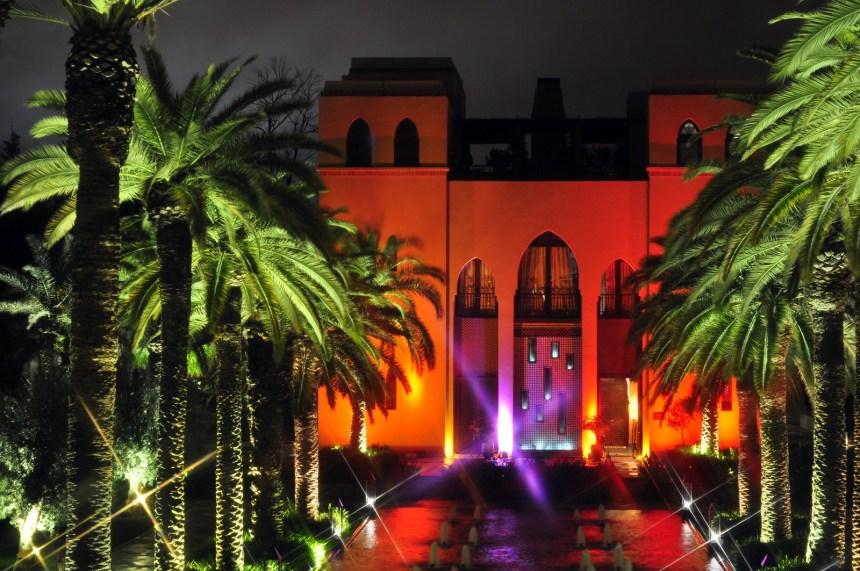 Edificio del restaurante italiano y terraza de fiesta de noche Four Seasons Marrakech, oasis en la ciudad roja Four Seasons Marrakech, oasis en la ciudad roja 15722161487 016533b265 h
