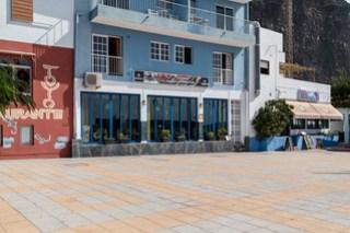 Drei Restaurants, ein Platz