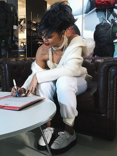 Rihanna firma con Puma