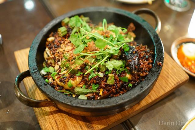 red & black rice, mussels, shrimp, octopus, scallop, sausage, confit pork, lime leaf aïoli & okra