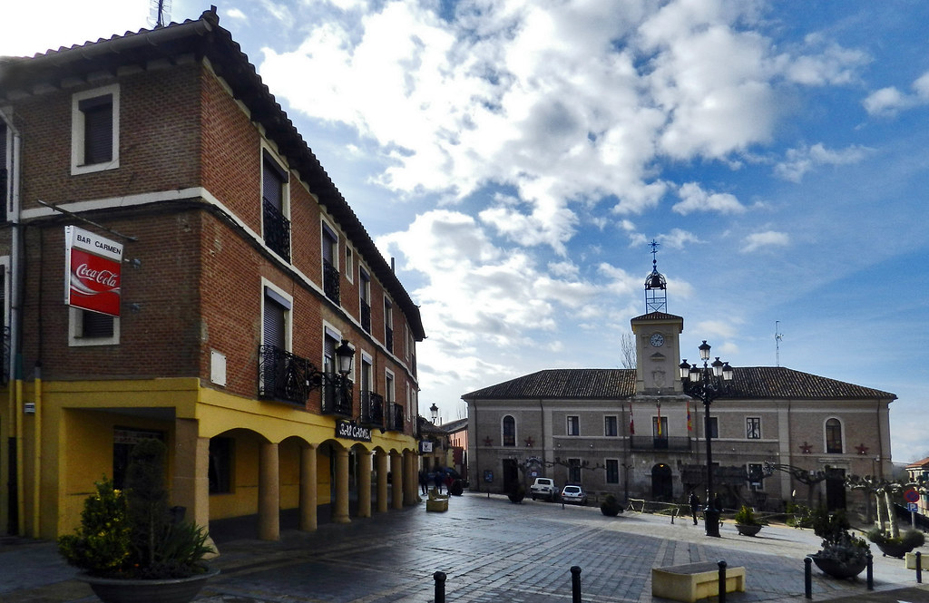 edificio Ayuntamiento año 1868 plaza Mayor Carrión de los Condes Palencia  09