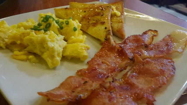 Bacon  toast & eggs
