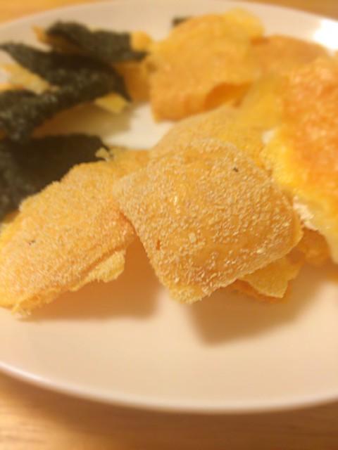 おからパウダーでレンチンカリカリチーズ