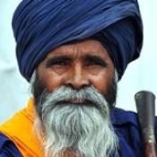 India - Punjab - Amritsar - Golden Temple - Guard - 269