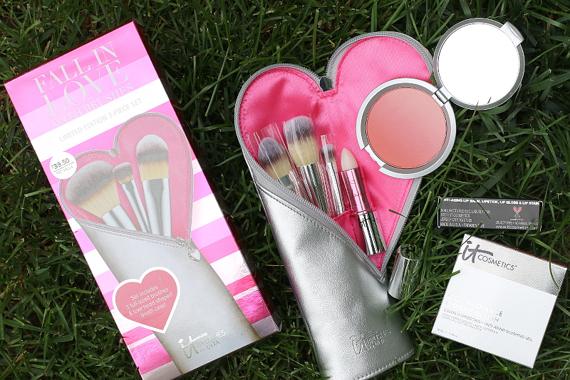 IT-Cosmetics-brush-set-makeup-mothers-day-gifts-2