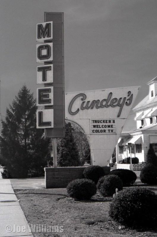Cundey's Motel