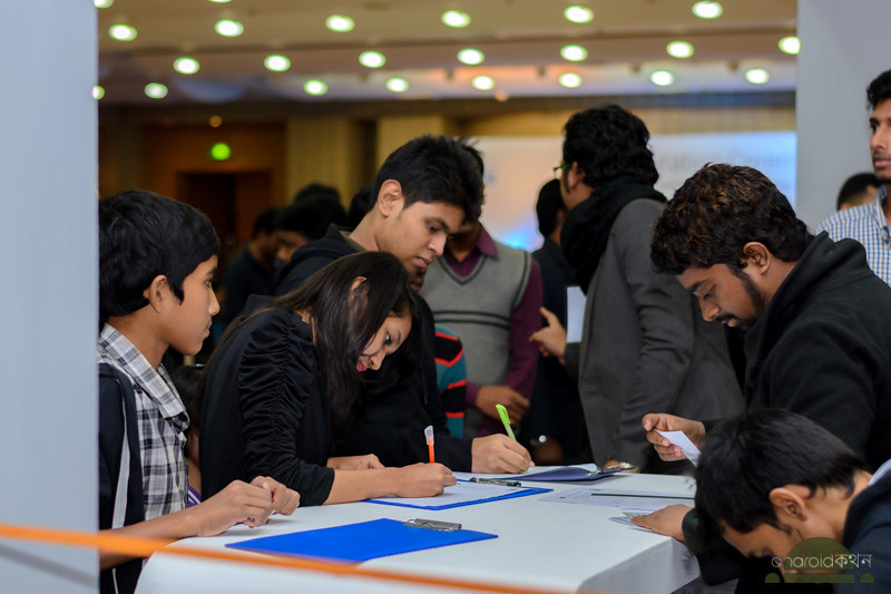 grameenphone smartphone expo rise up labs highway chase
