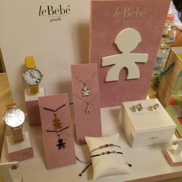 stand LeBebé gioielli al Baby Shower Party