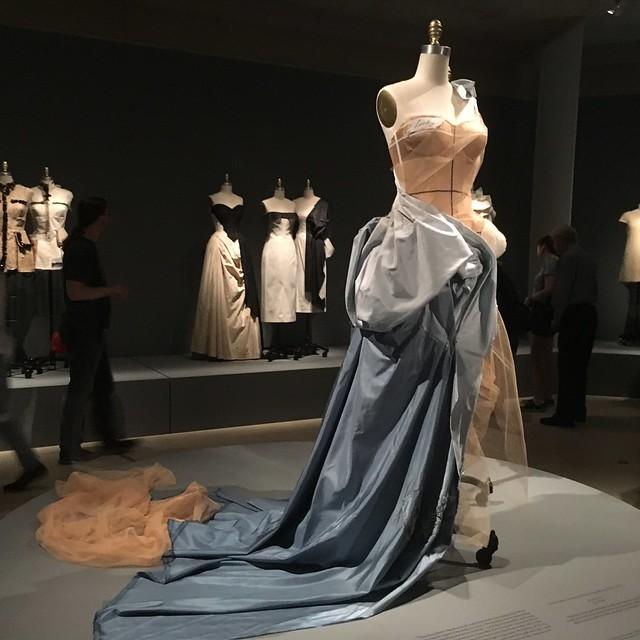 dress_ballgown