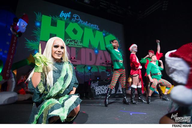 homo for the holidays-509
