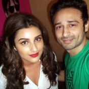 Parineeti Chopra & Jaey Gajera Takes a Selfie together at the Audio Launch of Yash Raj Film's Next Production KILL / DIL. https://twitter.com/jaeygajeraindia #RanveerSingh #Govinda #AliZafar #ParineetiChopra #ShankarEhsaanLoy #AveekMukhop.