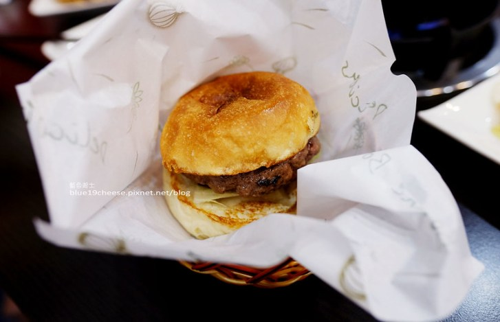 28948787516 8e3d7147cc c - Eddie紐約客New Yorker-牛肉厚度有誠意又多汁.三明治漢堡披薩.薯條可樂套餐.食牛台灣溫體牛門口