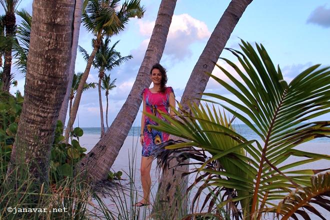 janavar.net-key west-outfit-beach-6