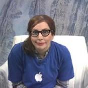 Lady Gaga as Apple genius bar employee - XPUSJP