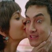 Anushka Sharma Kissing Aamir Khan In PK 2014 Wallpaper - Stylish HD Wallpapers.