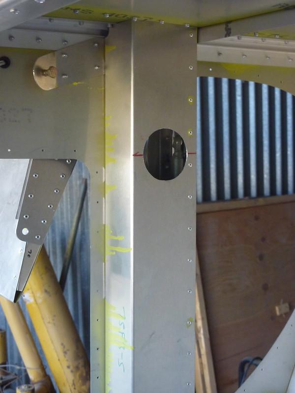 Flaperon access hole