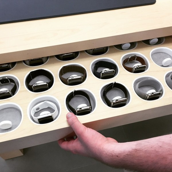 The Apple Watch viewing tray