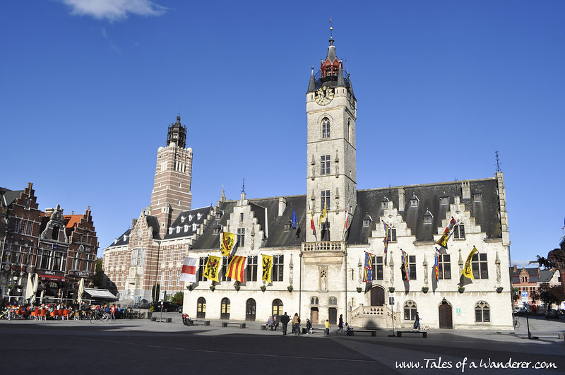 DENDERMONDE - Stadhuis met Belfort