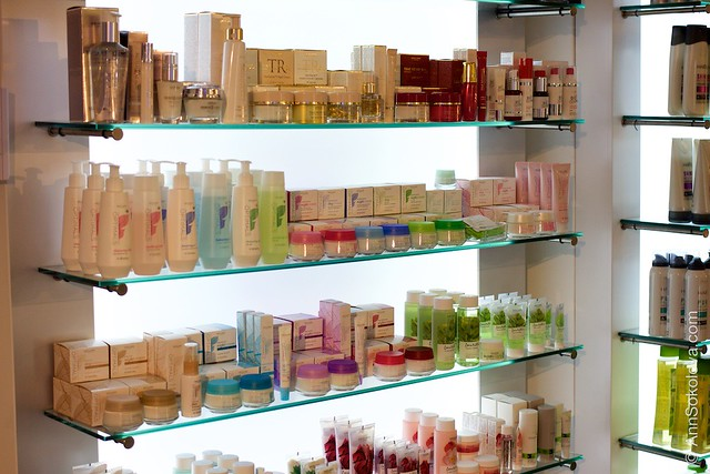 47 Oriflame Concept store in Stockholm SkinCare