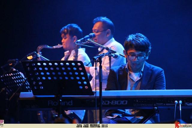 Java Jazz Festival 2015 Day 3 - Mondo Gascaro