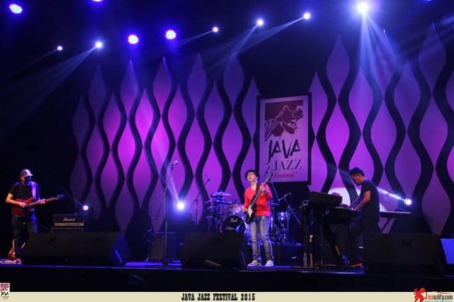 Java Jazz Festival 2015 Day 2 - Emerald BEX