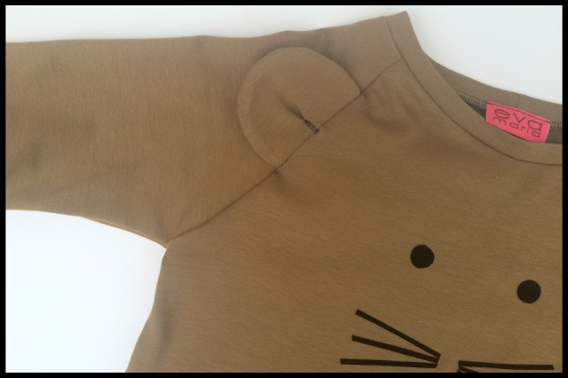 mouse shirt (close-up)