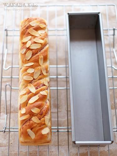 いちごツイストスリム食パン 20150413-DSCF0664