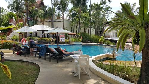 สระว่ายน้ำของ Horizon Karon Beach Resort and Spa