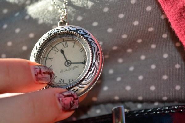 Clock Neckalce | Shades of Sarah
