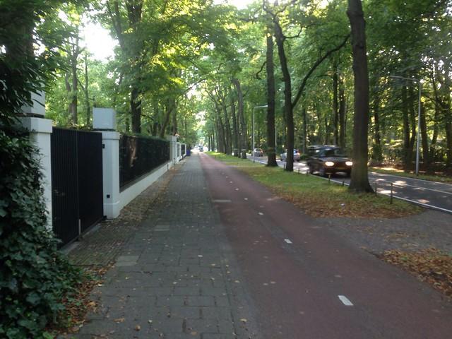 Cycling between Wassenaar and the Hague