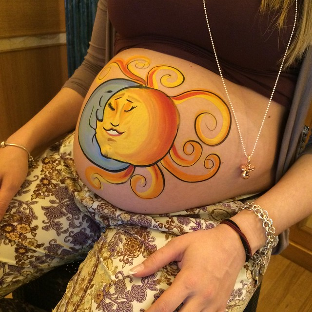 belly painting al baby shower party
